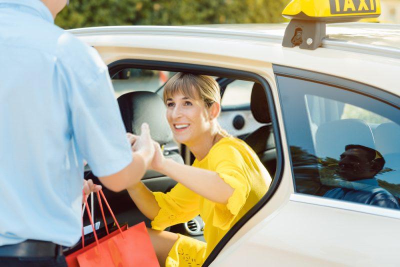 Auto tagaistmelt tousmiseks on tihti abi vaja ka neil kel ametlikult erivajadust polegi